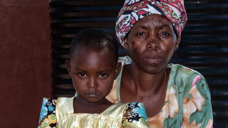 Kenyan mom and child
