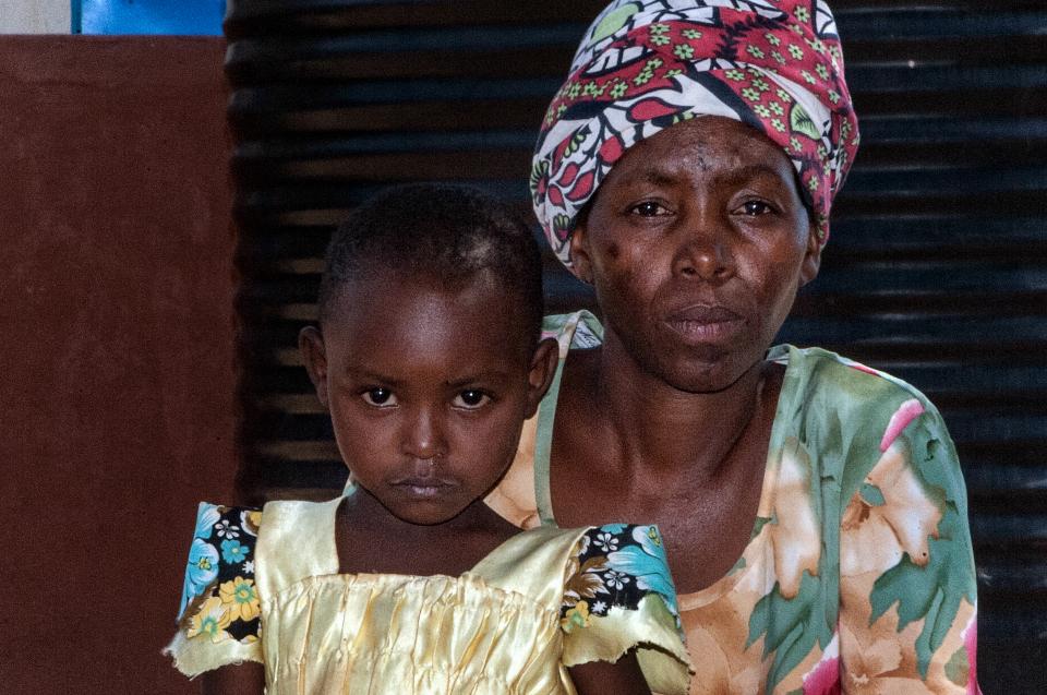 Kenya Gallery HIV women mom
