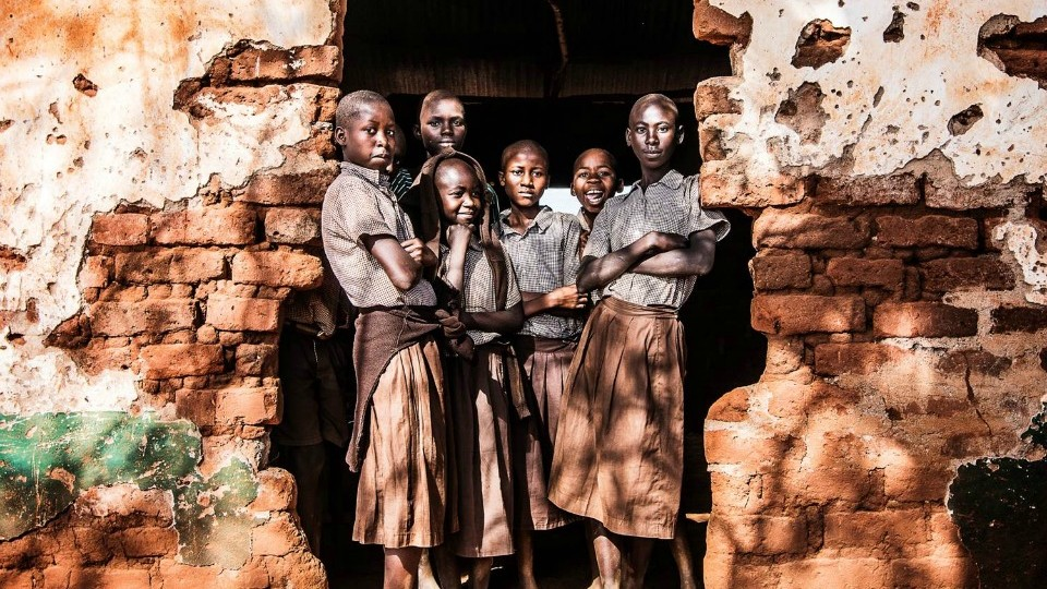 picture of schoolchildren in Kenya