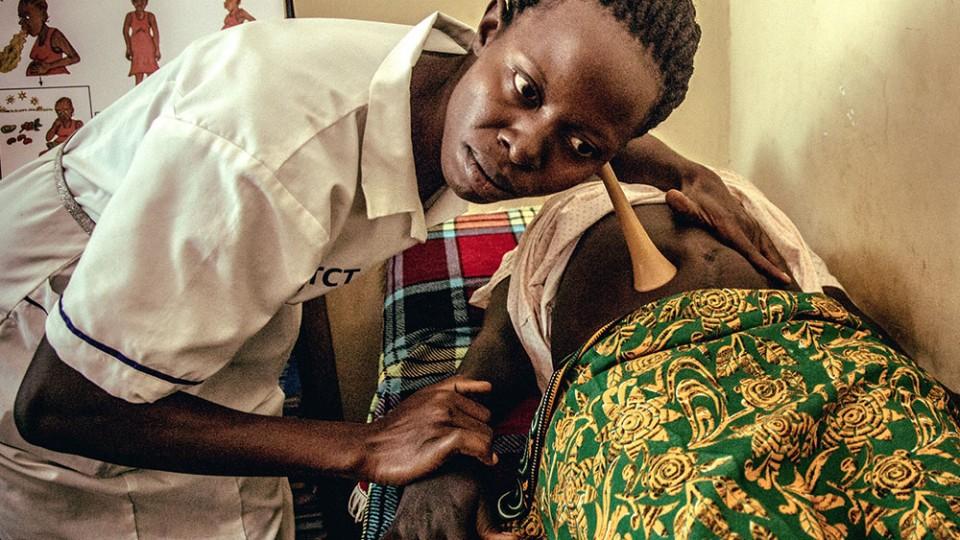 preganant women in south sudan receive prenatal care