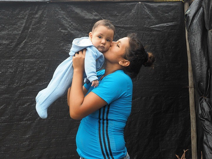 woman and child in Peru