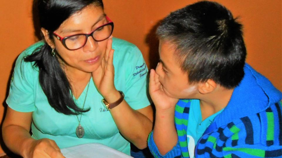 Jesús learns something new every day - CMMB Peru Angel