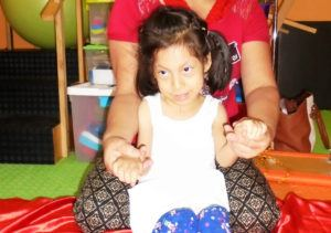 Meet Wilma, 8 years old - CMMB Peru Angel