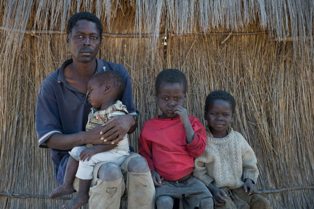 A father and his children - CMMB - Mwandi