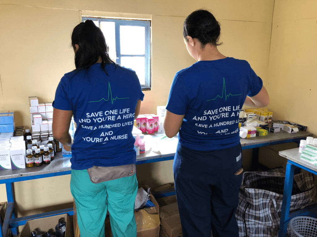 Nurses from Crossing thresholds work in the slums of Kenya