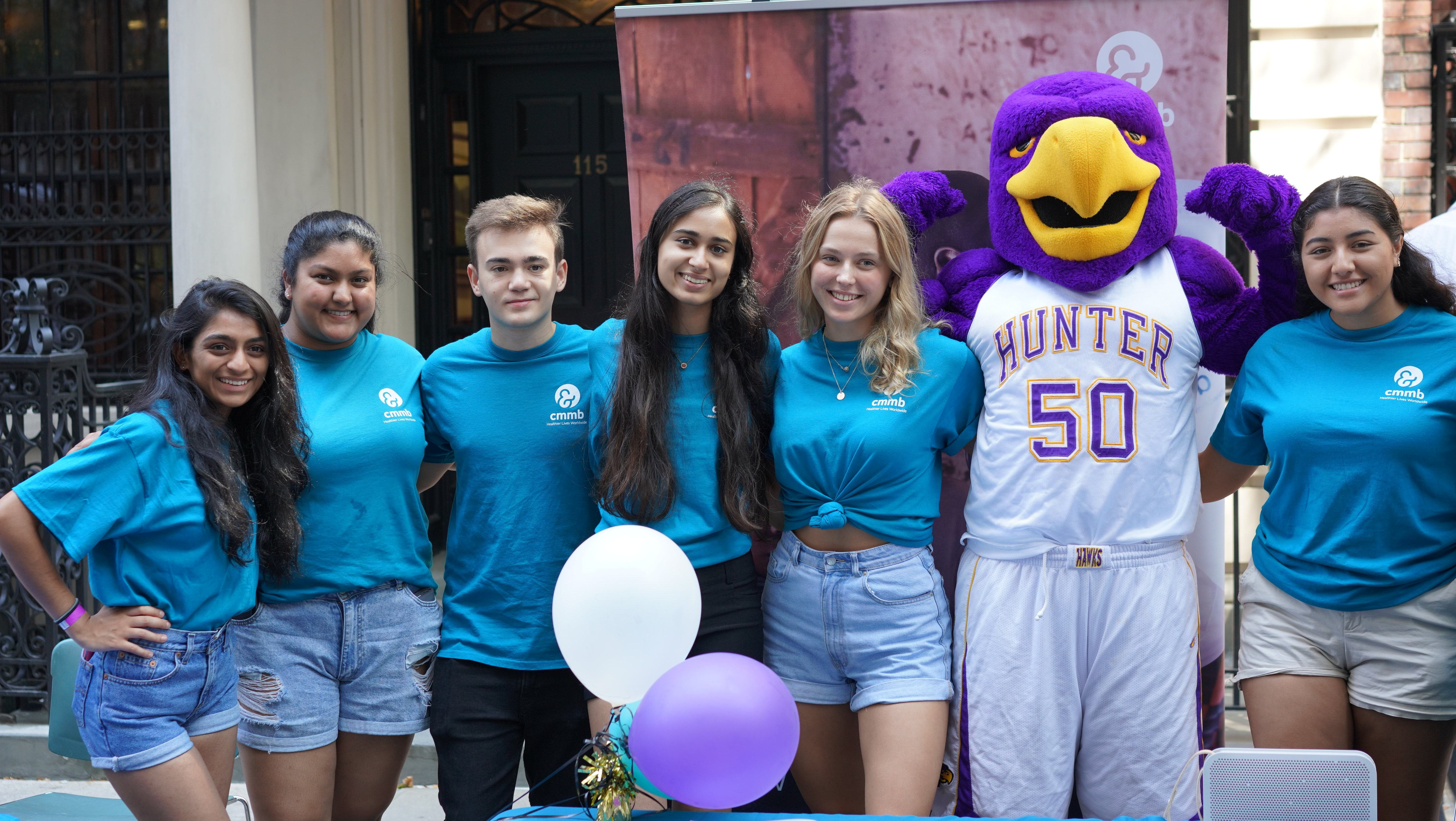 Hunter college students at club fair